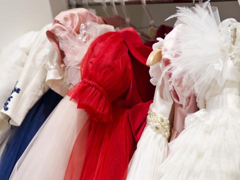 受験スーツやフォーマル子供服の買取りはネットで全国対応の【マナマナ】へ